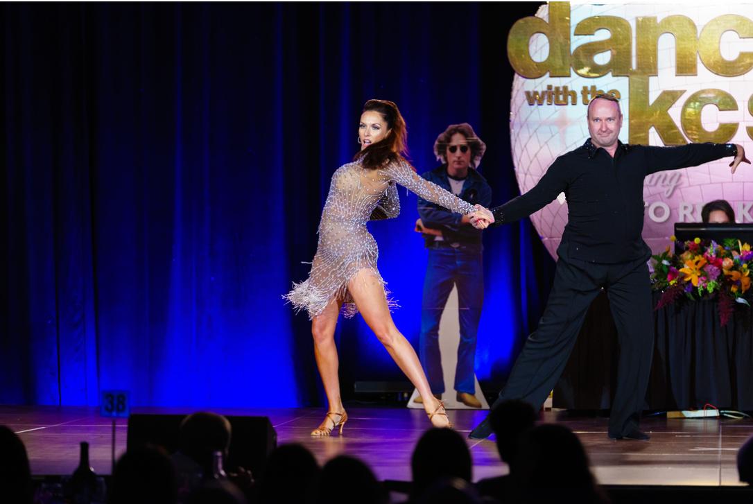 Julie Dance 2